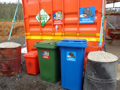 Stockage des déchets chantier Niaoulis